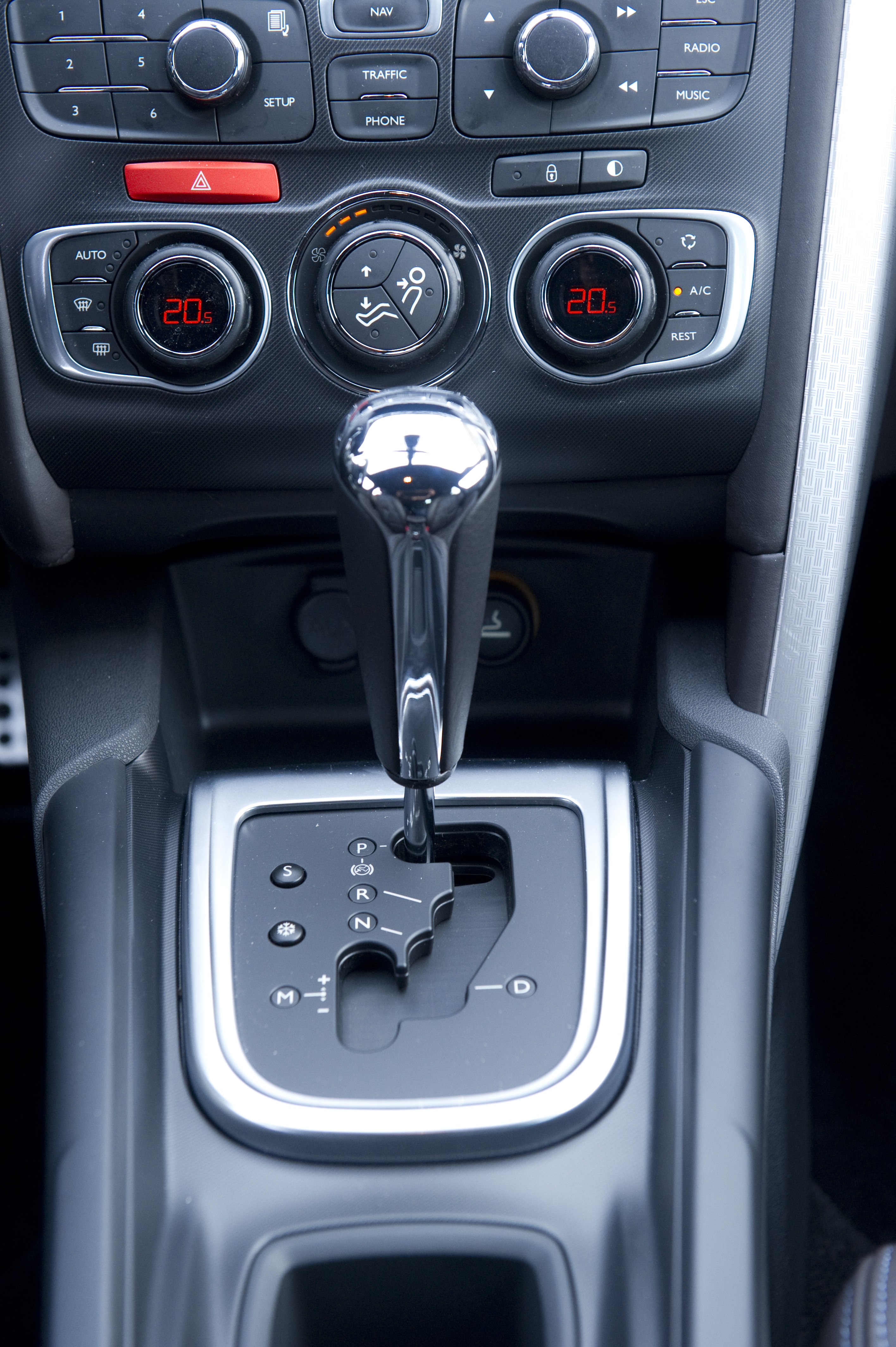 the new six speed automatic gearbox for the citroen ds4 hdi 160 rh wheelworldreviews co uk Manual vs Auto Factory Auto Manuals