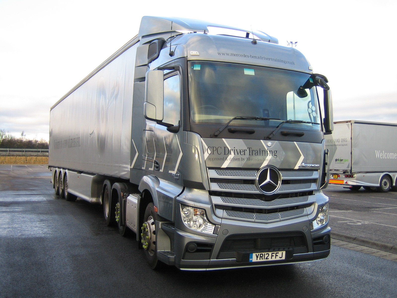 electric soon urban the benz first roads semi on s etruck worlds price drive mercedes world tech truck
