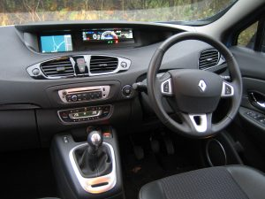 Renault Scenic Dynamique TomTom dCi 110 Stop and Start (11)