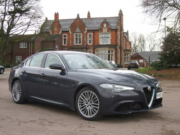 Alfa Romeo Giulia 2.0 Turbo 200bhp Super road test report and review