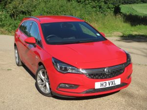 Astra Sports Tourer SRI 1.6i 200PS Turbo road test report and review