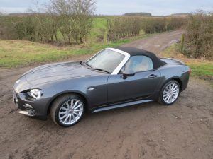 Fiat 124 Spider 1.4 MultiAir Turbo 140hp road test report and review: A great looking car, even with the roof up!