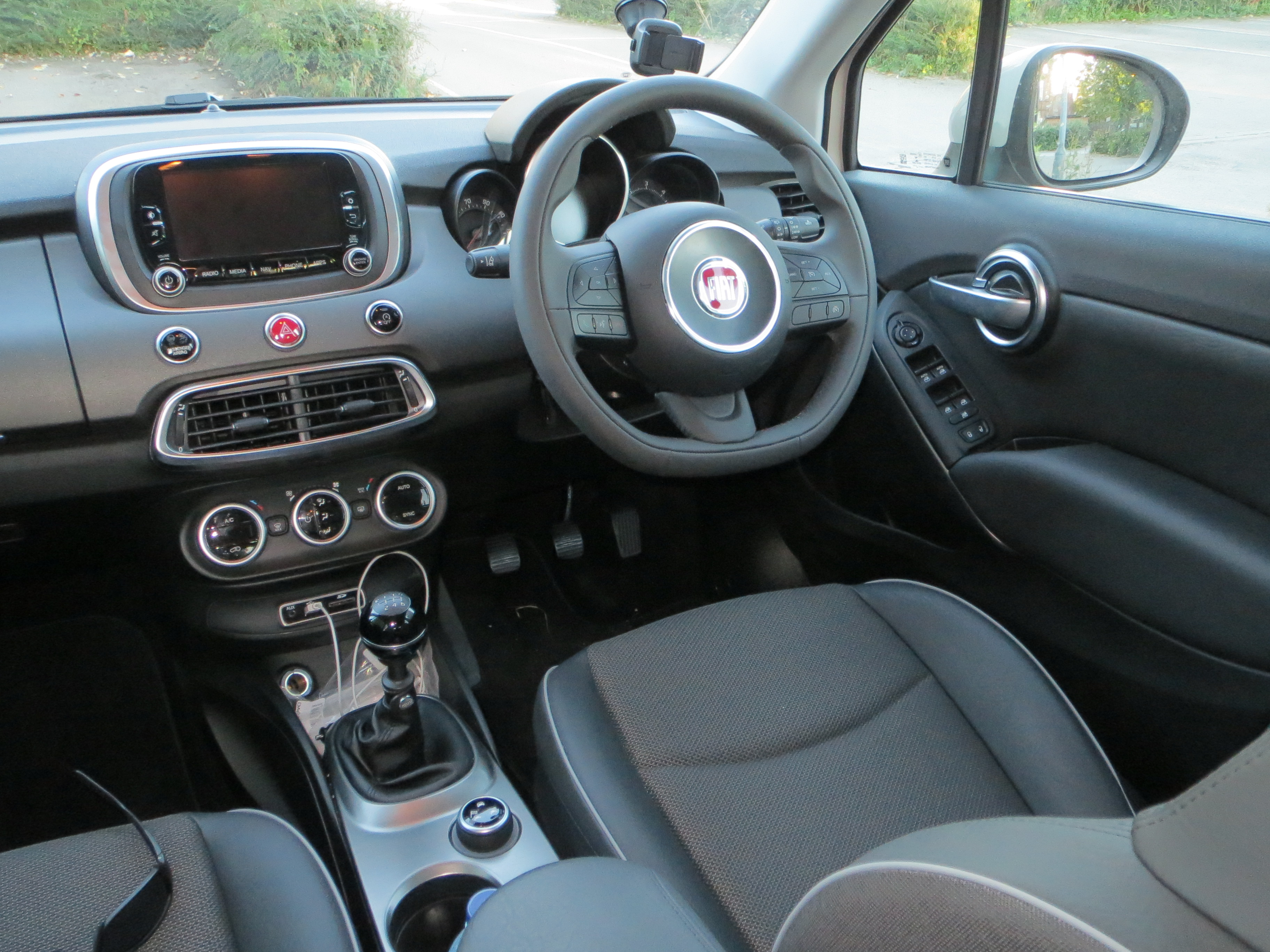 Fiat 500X 1 6 MultiJet 120hp Cross road test report and review