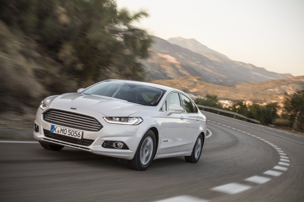Ford Mondeo 2.0 Ti-VCT Hybrid Electric Titanium road test report and review