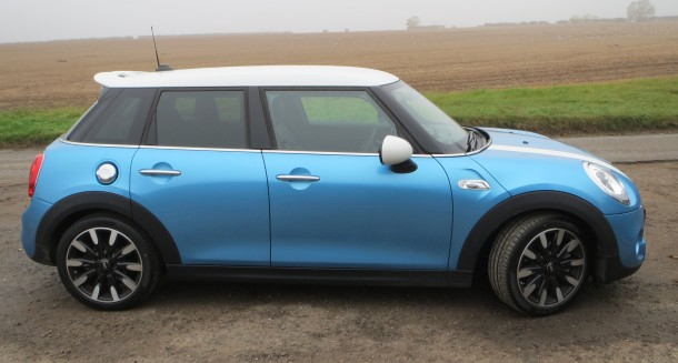 Mini Cooper S 5 door road test report review (17)