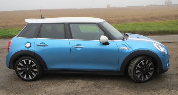 Mini Cooper S 5 door road test report review (17)