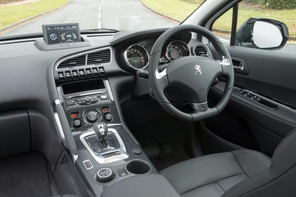 Peugeot 3008 Hybrid cockpit