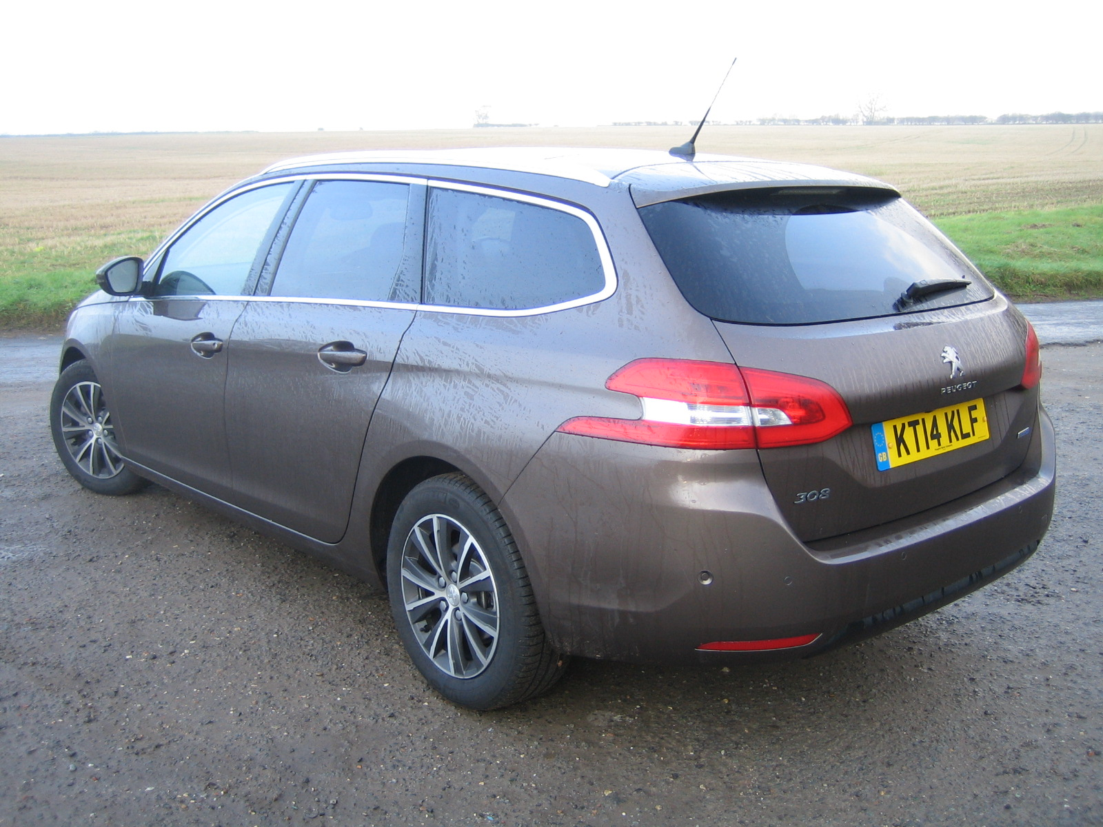 peugeot 308 sw allure bluehdi 120 road test report and review
