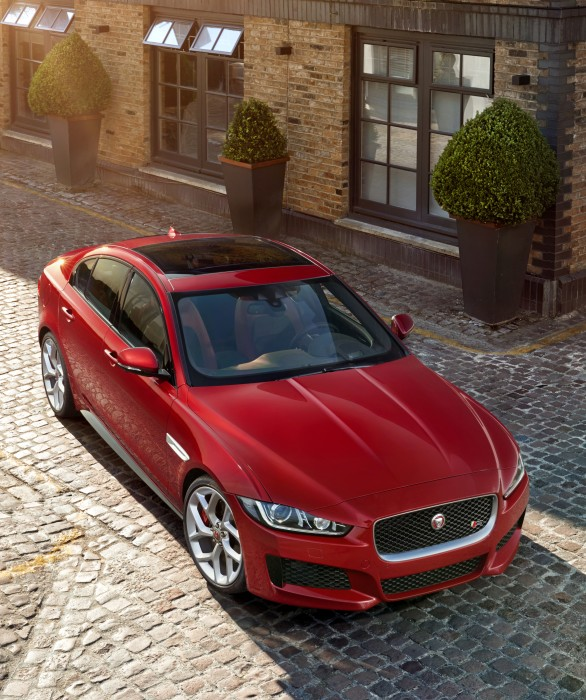 The new Jaguar XE (1)