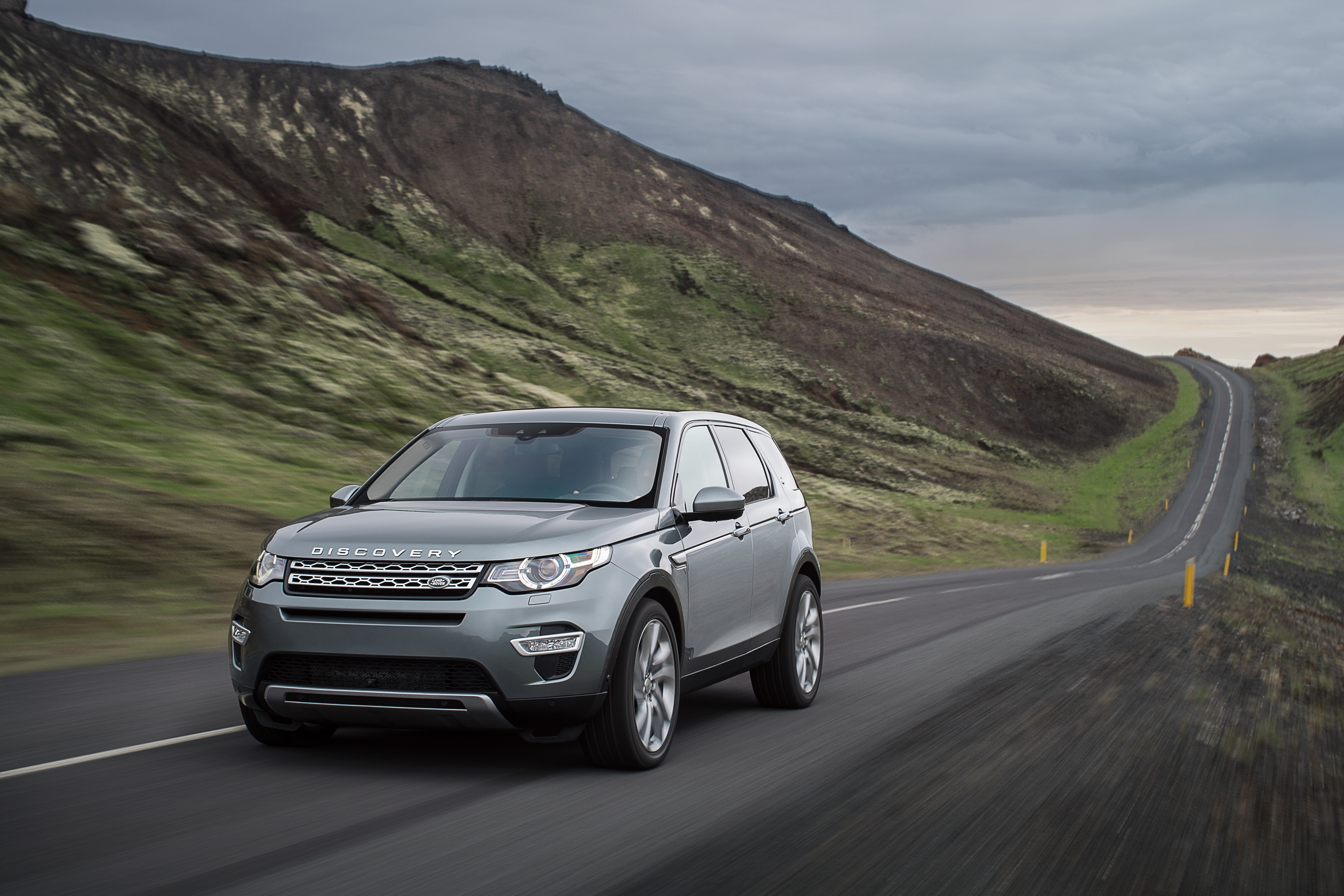 video thumbnail landrover brussels stock sale land car the suv videoblocks discovery on for at european show sport crossover footage motor rover display