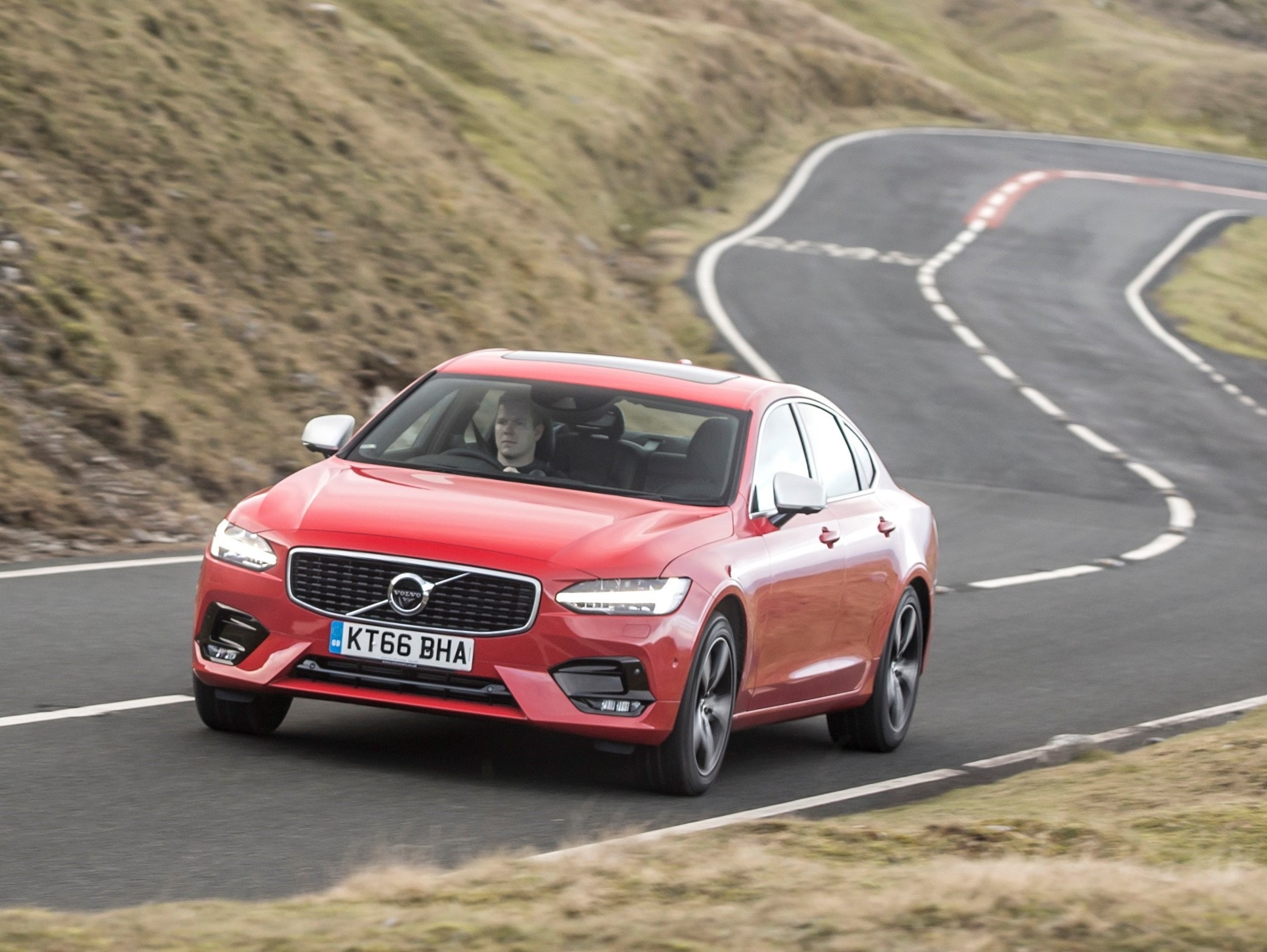 Volvo S90 D5 PowerPulse AWD Inscription road test report and review