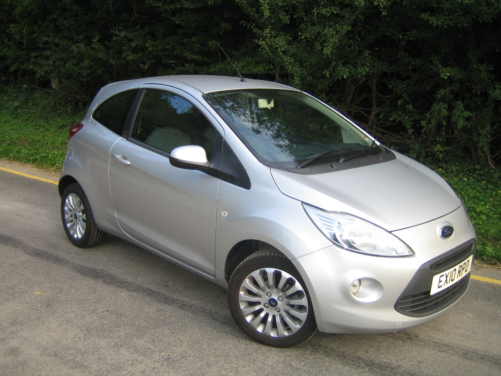 The Ford Ka Is Compact Easy To Drive Park And Just Live With