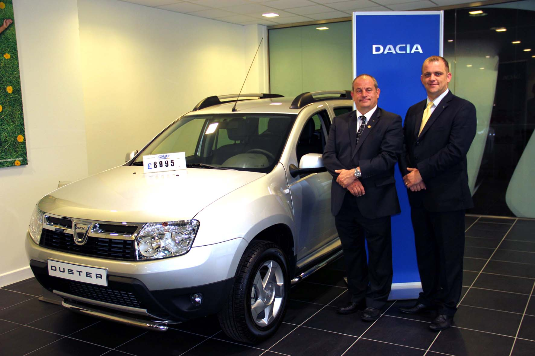 terry and stephen smith with the dacia duster in the grimsby dealership wheel world reviews. Black Bedroom Furniture Sets. Home Design Ideas