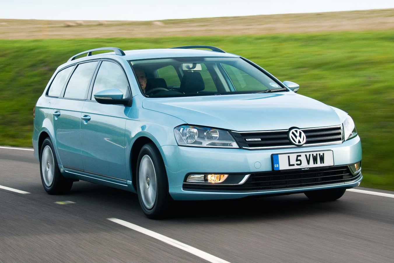 vw passat bluemotion estate is still jazzing it up wheel world reviews. Black Bedroom Furniture Sets. Home Design Ideas