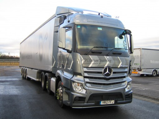 Driving a Mercedes-Benz Actros 2545LS truck is 'a piece of cake'
