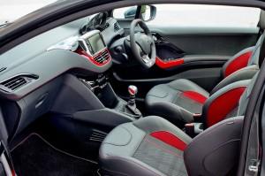 Peugeot 208 GTi cockpit