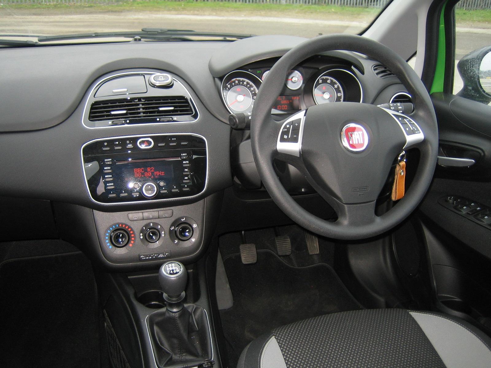 Fiat Punto Twinair on fiat lounge, fiat pop, fiat trekking review, fiat ads,