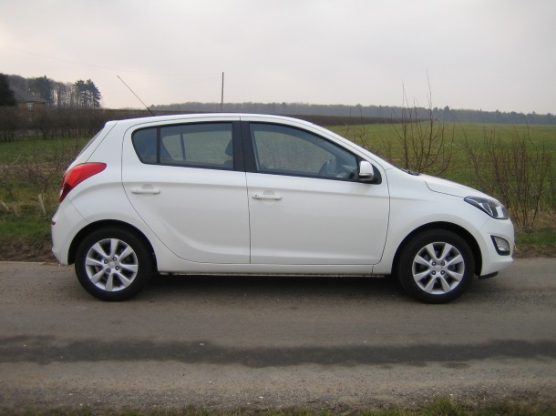 Hyundai i20 1.1 CRDi Active 5-door (14)