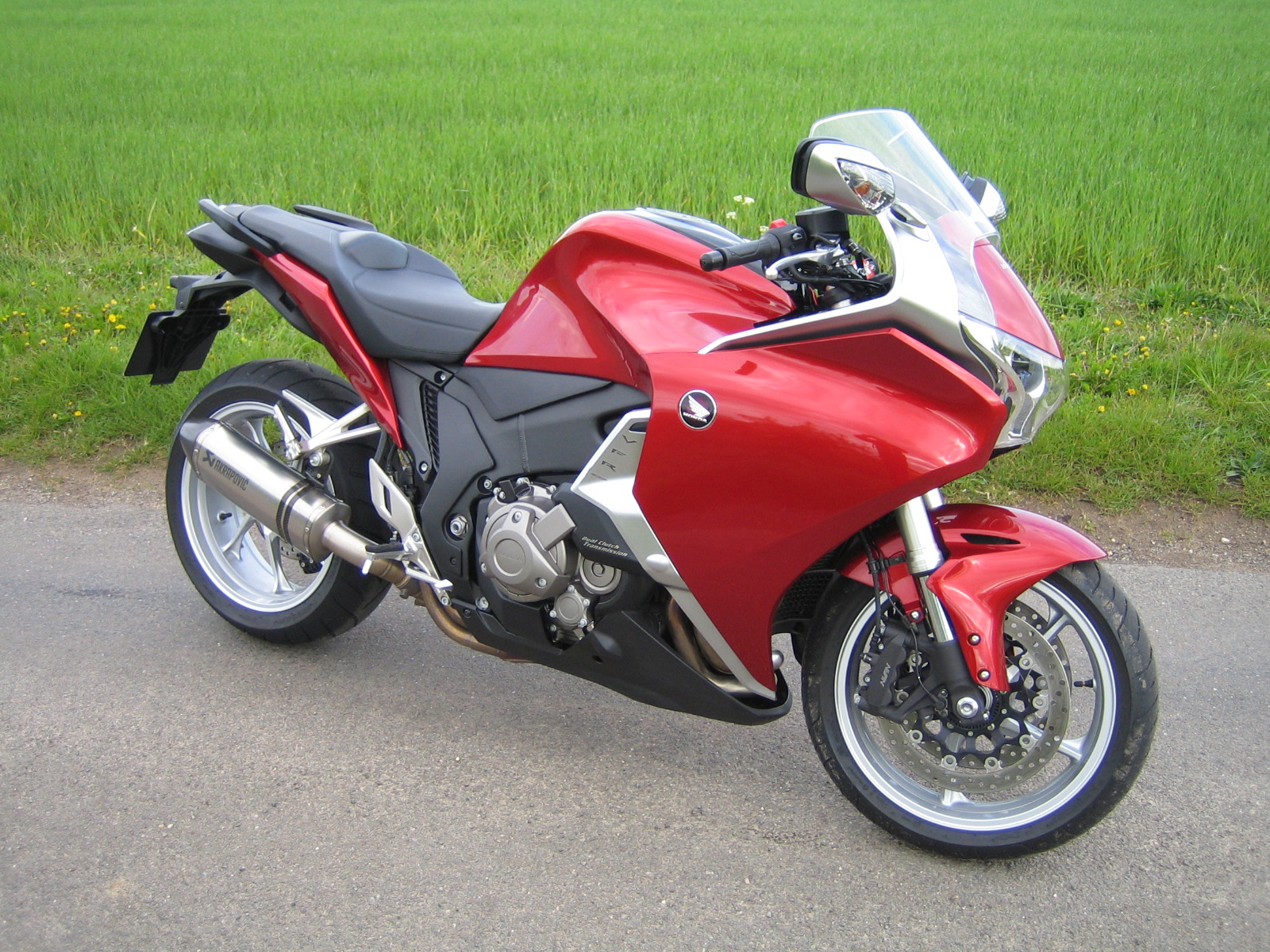 honda vfr1200f dct road test automatic bike silky