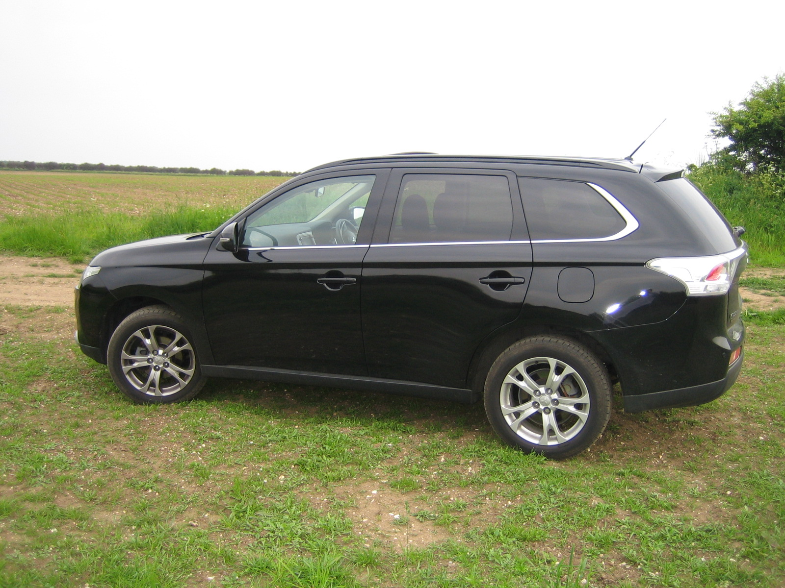 mitsubishi outlander 2 2 di d gx5 auto road test move upmarket. Black Bedroom Furniture Sets. Home Design Ideas