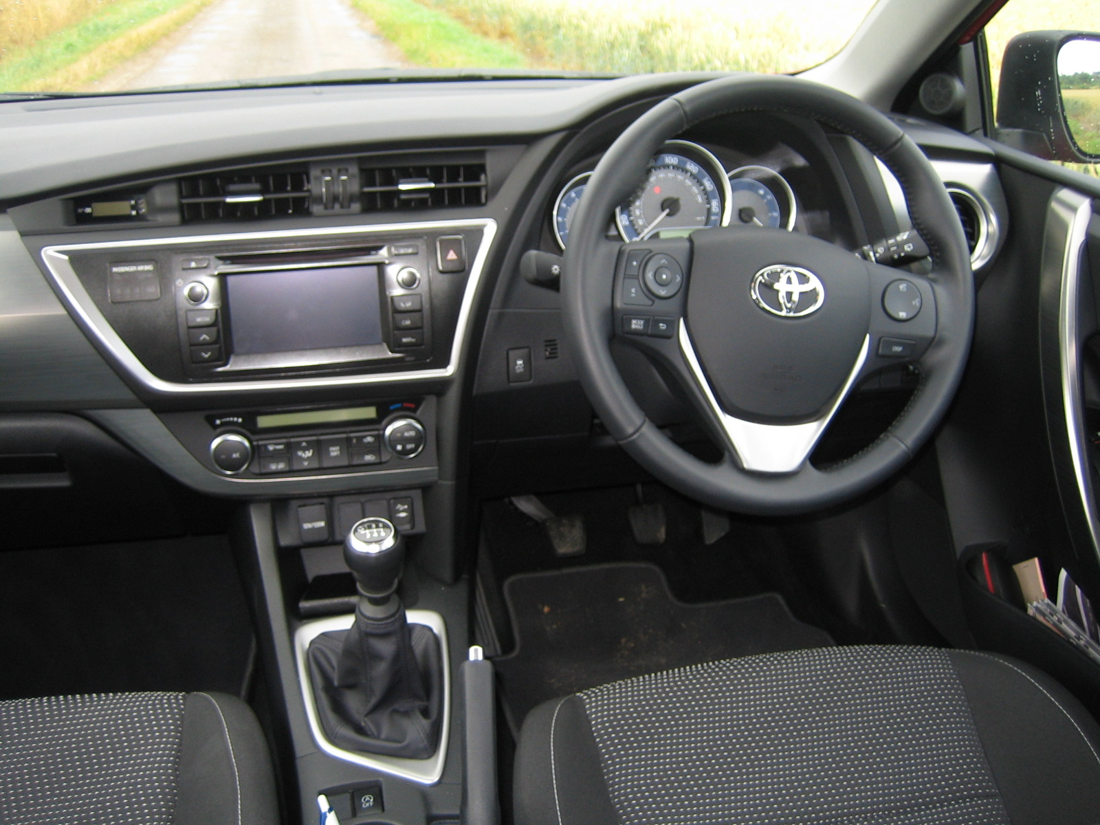 Toyota Auris Icon 1 4 D4d Road Test Reveals And Review