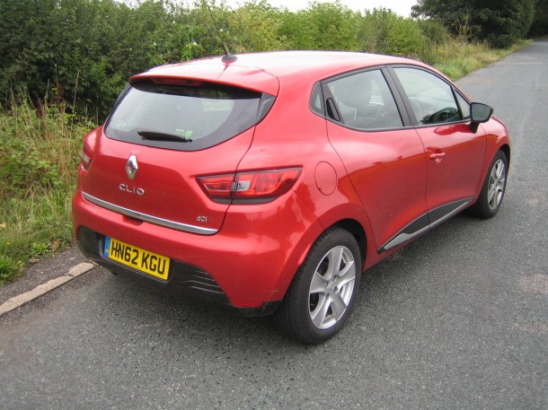 ROAD TEST REPORT AND REVIEW: Renault Clio Dynamique MediaNav dCi 90 S&S ECO