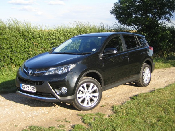 Toyota RAV4 2.2D4D Icon road test report and review