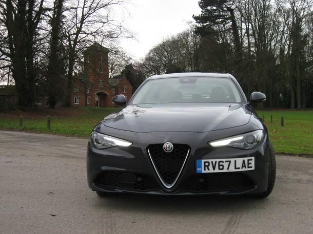 Tests Com Reviews >> Alfa Romeo Giulia 2 0 Turbo 200bhp Super Road Test Report And Review