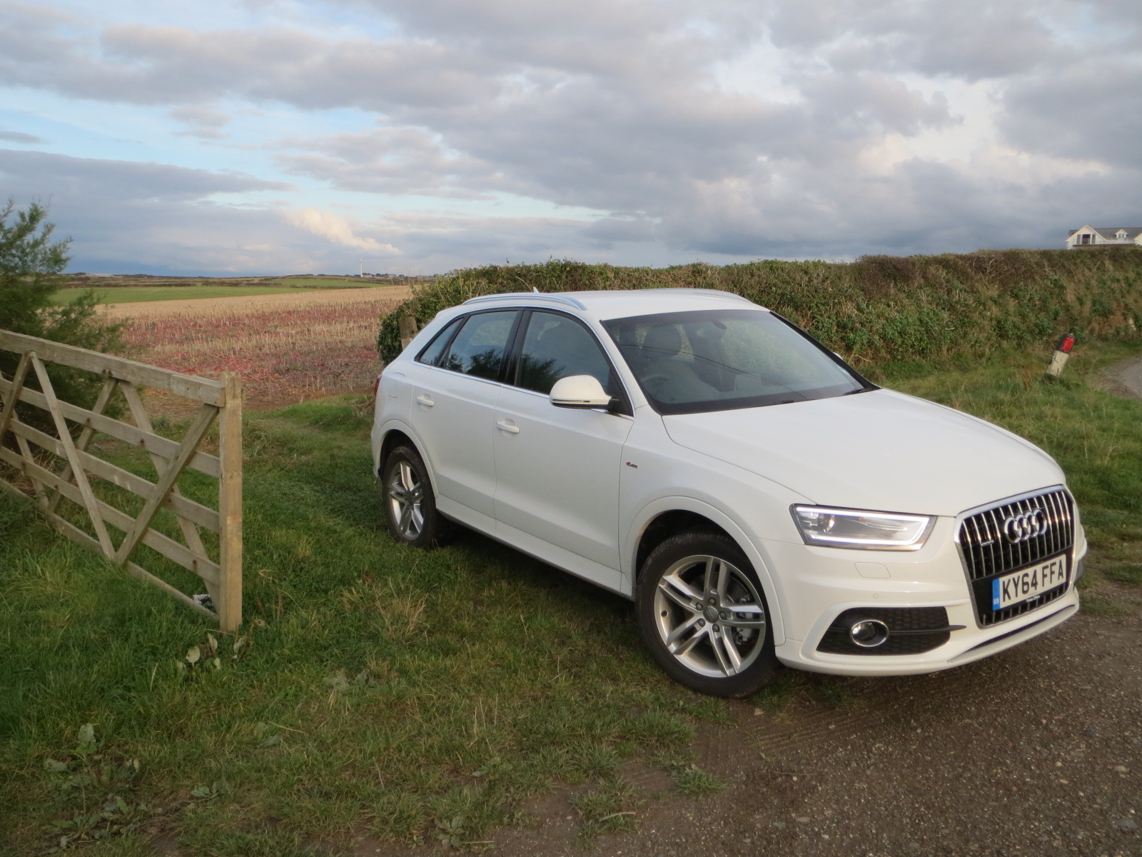 audi q3 tdi quattro s line 140 ps s tronic road test report and review. Black Bedroom Furniture Sets. Home Design Ideas