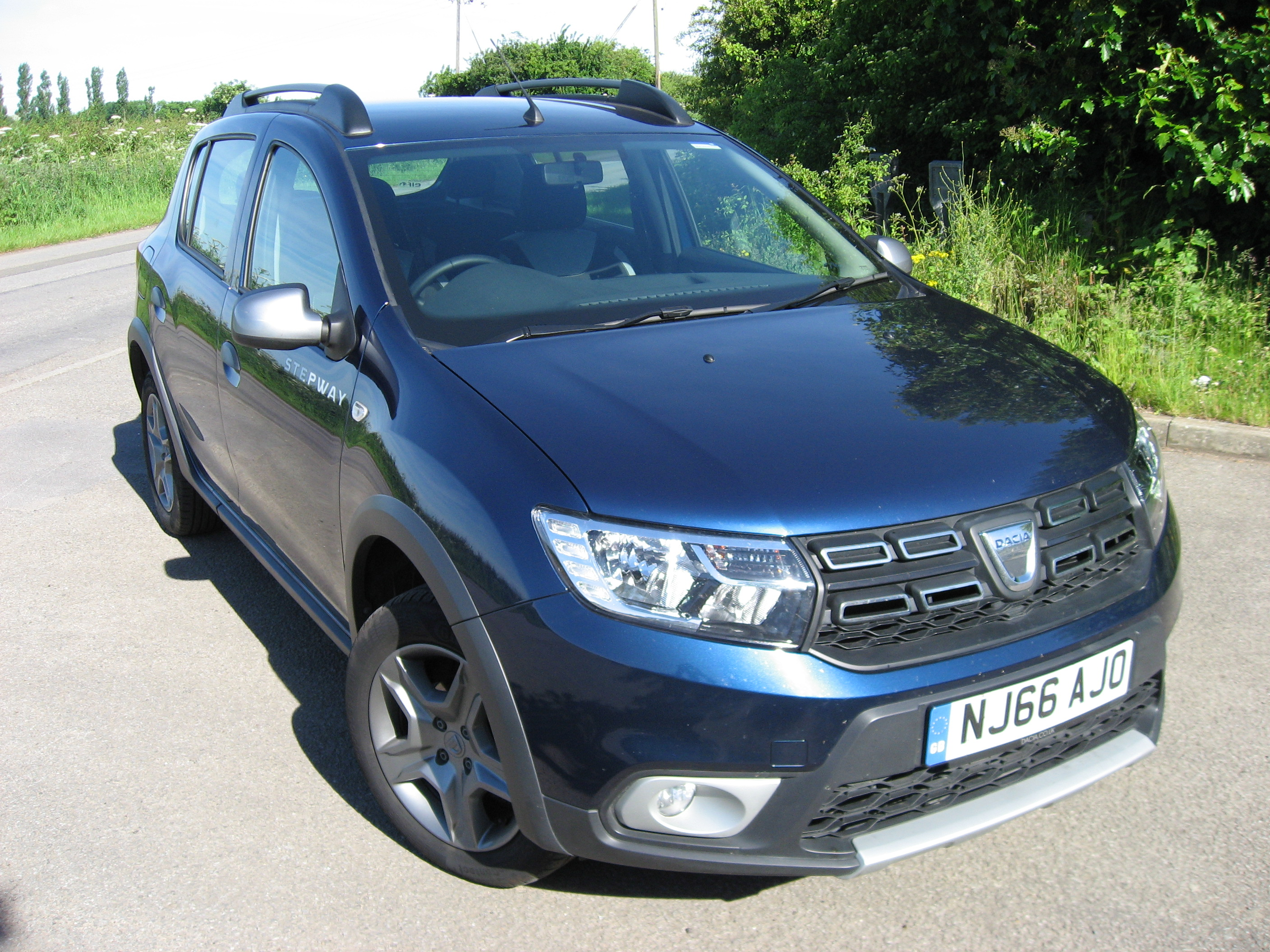 dacia sandero stepway ambiance tce 90 road test report and review. Black Bedroom Furniture Sets. Home Design Ideas