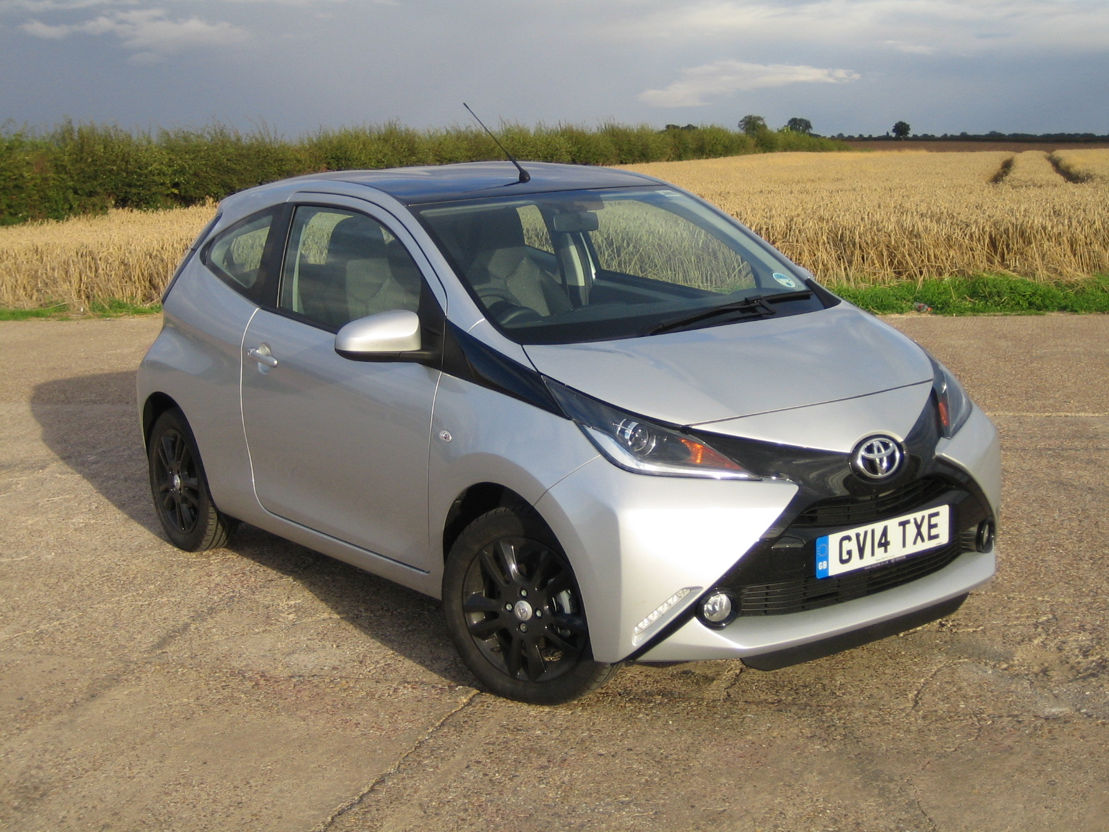 toyota aygo 1 0 vvt i x cite road test report and review. Black Bedroom Furniture Sets. Home Design Ideas