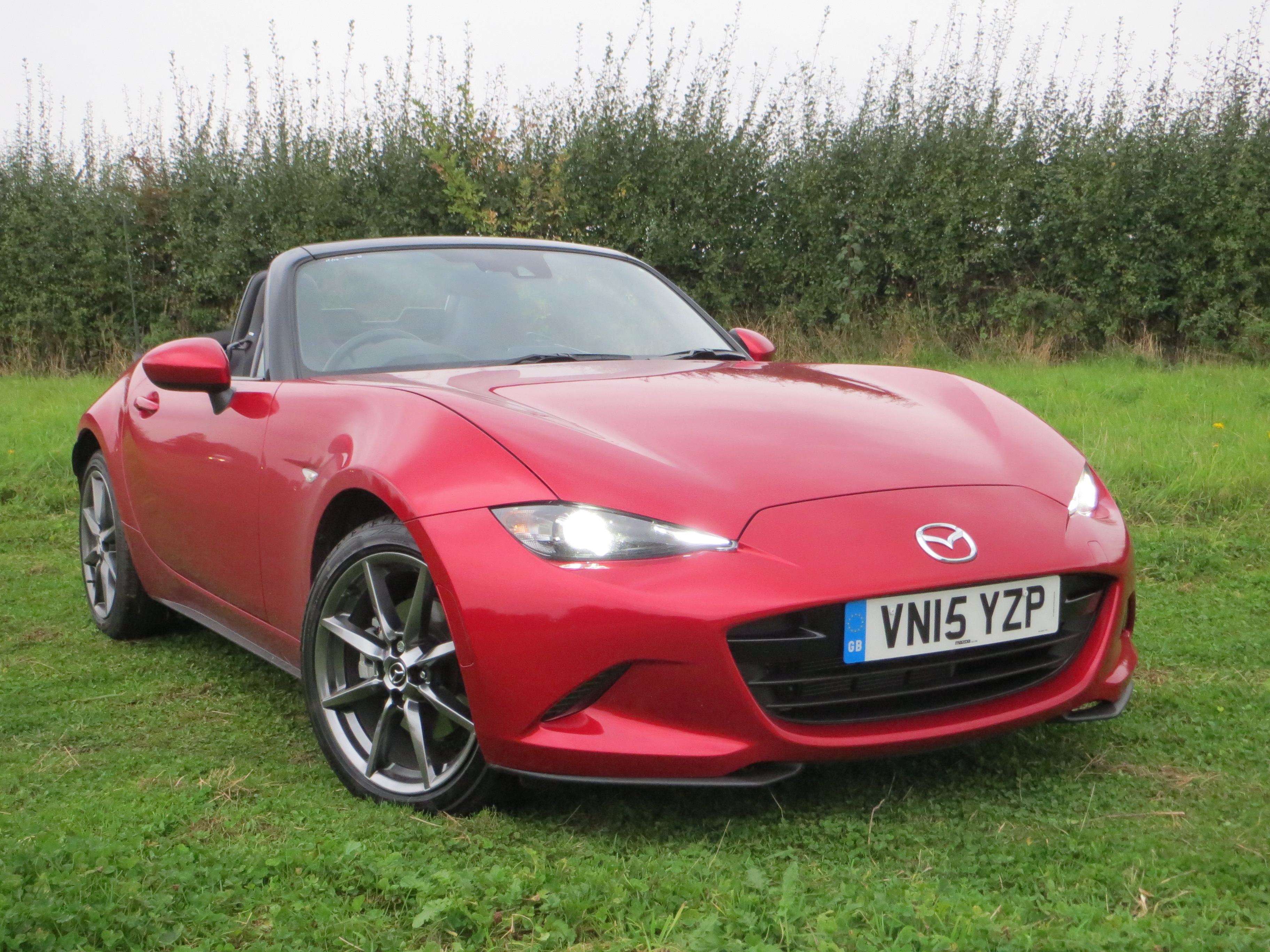 mazda mx 5 2 0 sport nav road test report and review. Black Bedroom Furniture Sets. Home Design Ideas