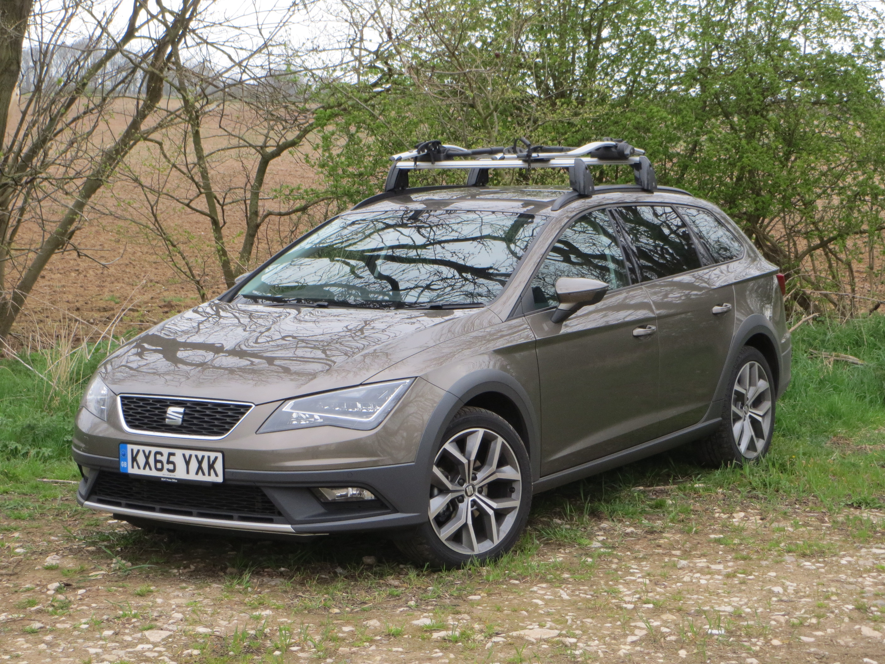 seat leon x perience se technology 2 0 tdi 150 ps 6 speed road test report and review wheel. Black Bedroom Furniture Sets. Home Design Ideas