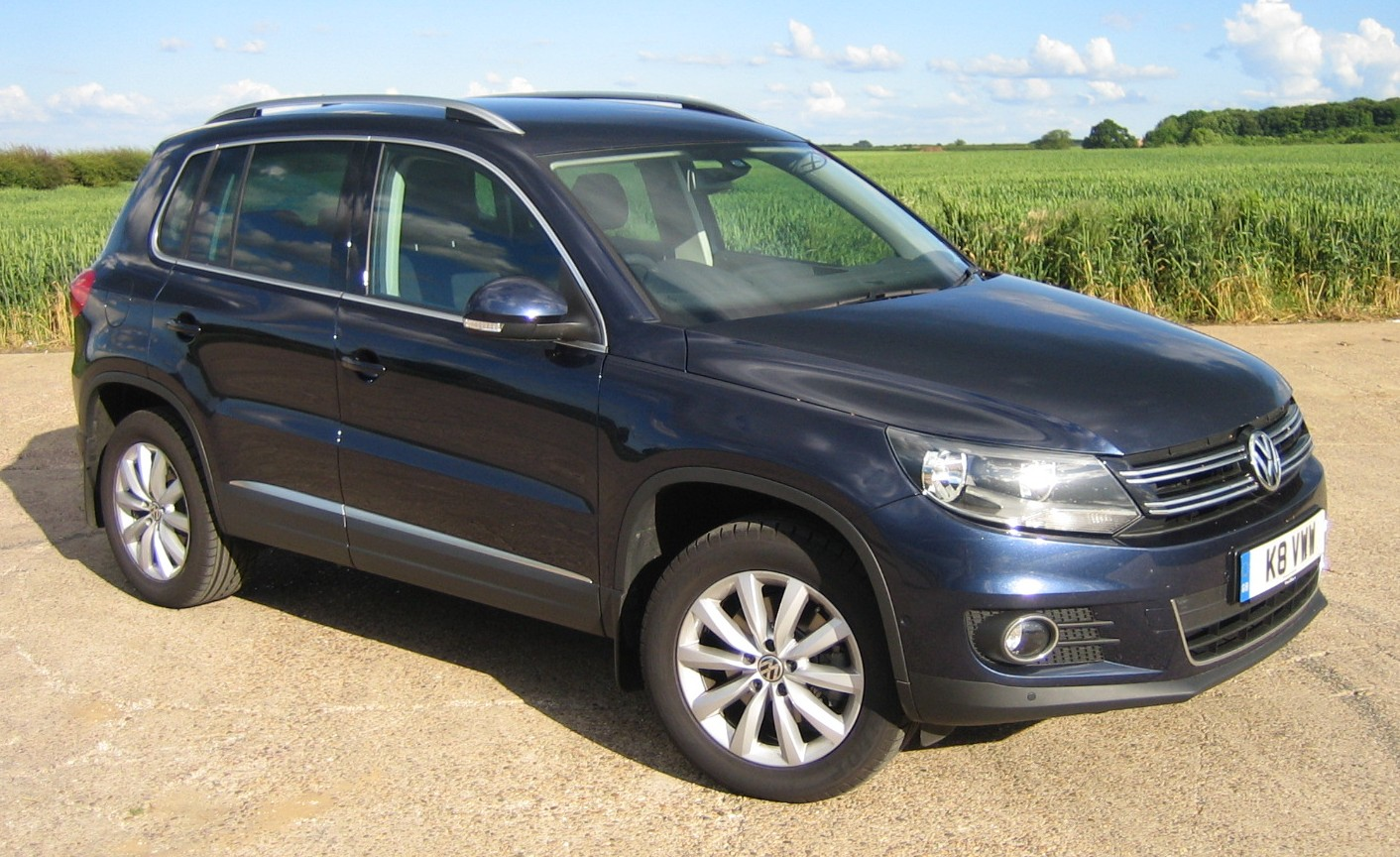 volkswagen tiguan match 2 0 tdi review road test report. Black Bedroom Furniture Sets. Home Design Ideas